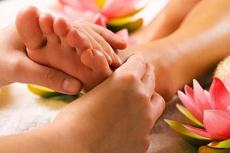 foot-massage-nguyen-son-137-Massage chân ở Sài Gòn – Dịch vụ mang lại sức khỏe và thư giãn tinh thần