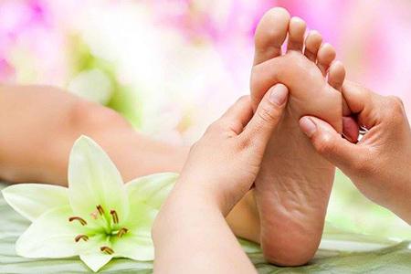 foot-massage-nguyen-son-137-[Saigon Foot Massage]Massage chân chữa ho có hiệu quả như lời đồn?