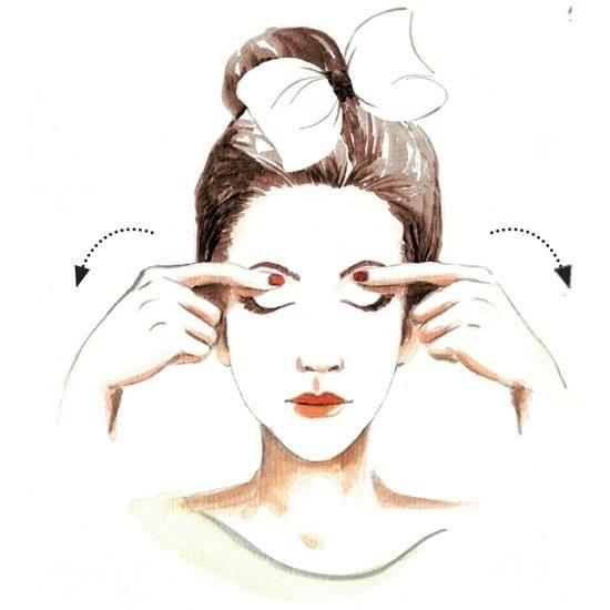 massage nâng cao vùng mắt